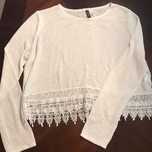 Cropped light sweater - forever 21